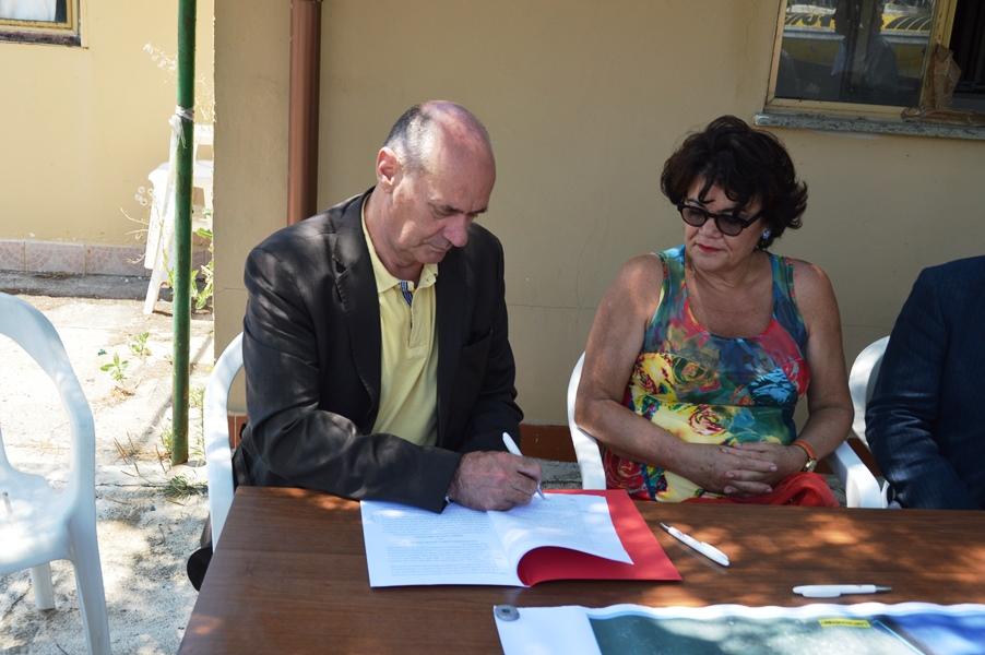 Il sindaco Mazzola firma la convenzione