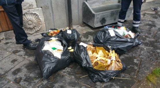 rifiuti piazza