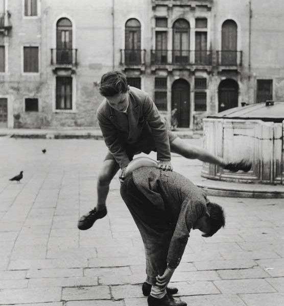 pepi_merisio_in-campo-san-polo-venezia-1958_-stampa-ai-sali-dargento-modern-print