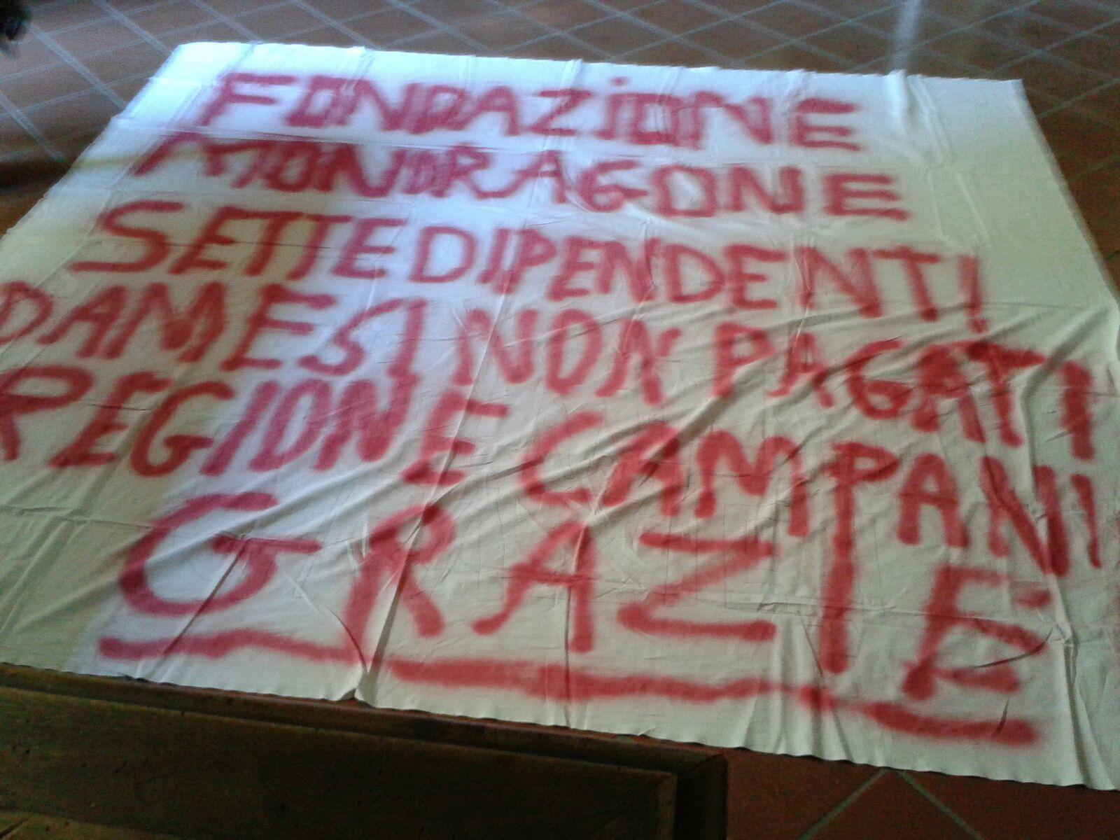 Protesta dipendenti Fondazione Mondragone