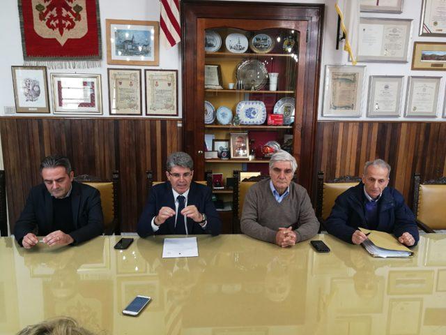 CONFERENZA STAMPA EMERGENZA RIFIUTI A CAVA DE' TIRRENI