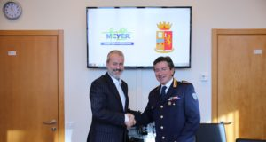 Giorgio Bacilieri, Dirigente del Compartimento Polizia Postale e delle Comunicazioni della Toscana e da Alberto Zanobini, Direttore Generale dell'Ospedale pediatrico Meyer