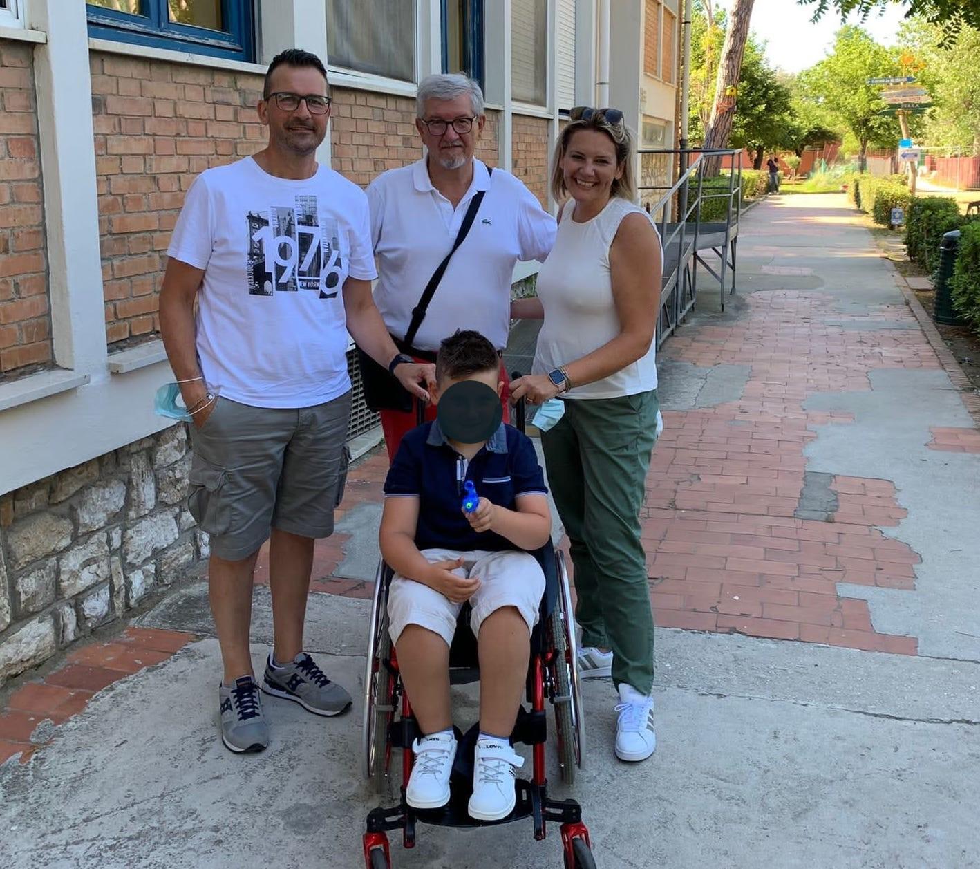 Nicolò Napolitano con mamma Silvana papà Luca e il Presidente FSM Maffei