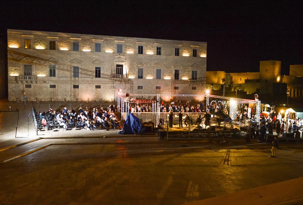 FdT Orchestra dal vivo in Piazza Duomo