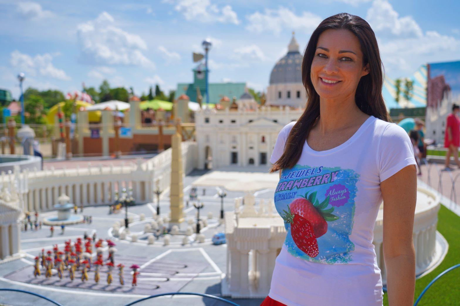 Manuela Arcuri a Gardaland